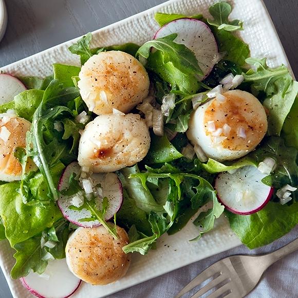Arugula Salad with Seared Scallops recipe