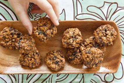 Cinnamon-Walnut Oatmeal Cookies