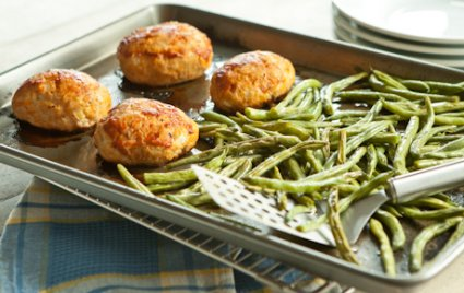 Mini turkey meatloaf green beans supper