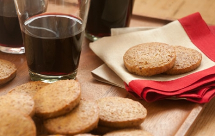 Date and Olive Oil Crackers