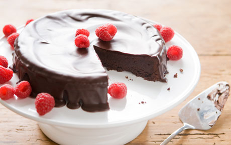 Flourless Chocolate Cake with Dark Chocolate Glaze