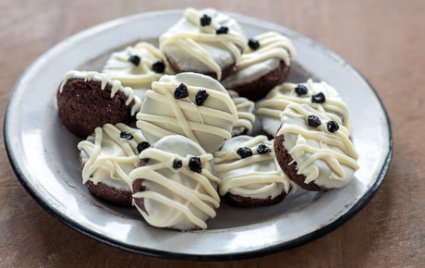 Halloween Mummy Brownie Bites