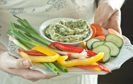 spinach dip with vegetables