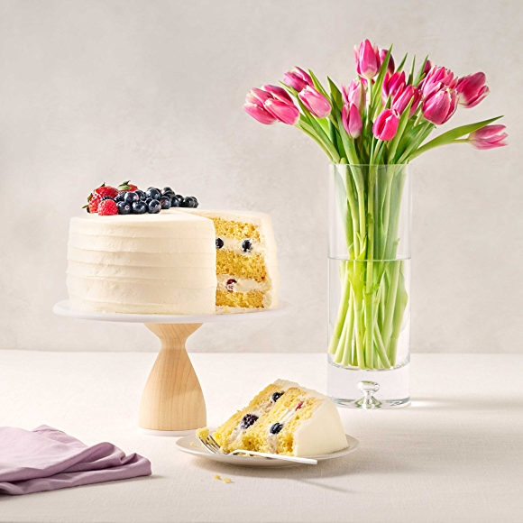 berry chantilly cake with pink tulips