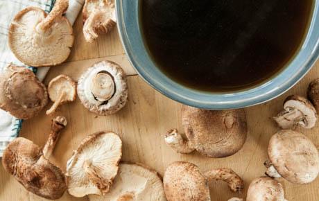 Easy Mushroom Broth