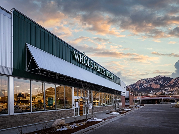 Whole foods market in south boulder with mountains in background