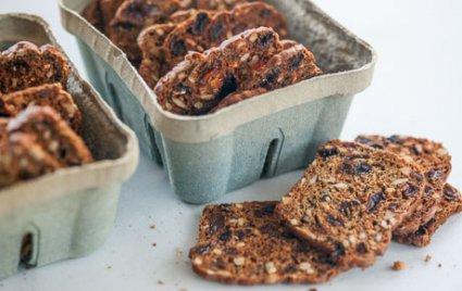 Crisp Rosemary Raisin Crackers