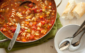 hearty_minestrone_soup