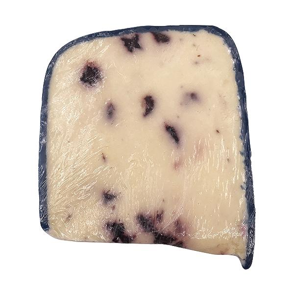 Wensleydale & Blueberries Cheese 2