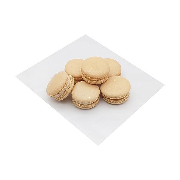 Vanilla Macarons 6 count 1