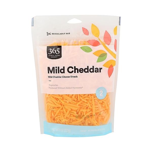 Mild Cheddar Cheese Shreds, 8 oz 1
