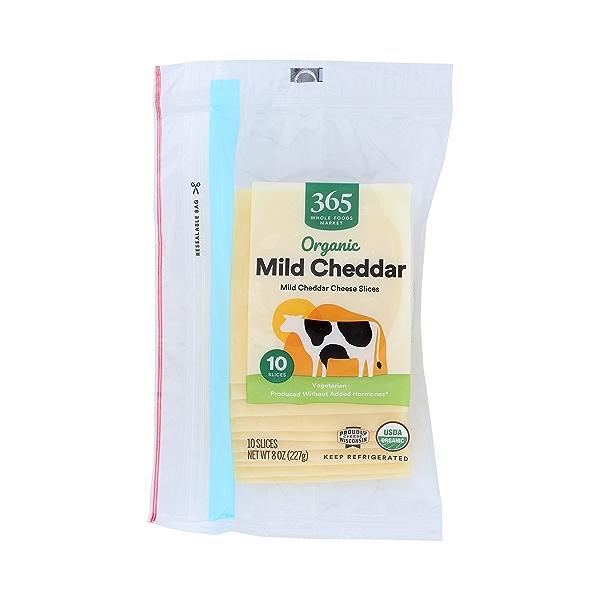 Organic Mild Cheddar Cheese Slices, 8 oz 1