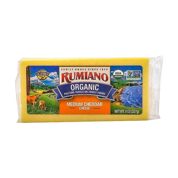 Medium Cheddar Organic Cheese, 8 oz 1