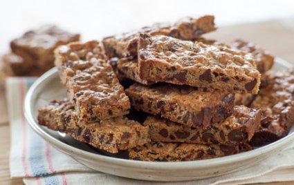 Quinoa Chocolate Chip Bar Cookies