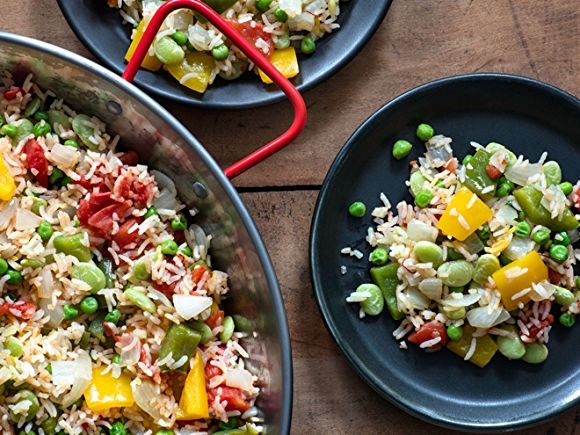 Low-sodium rice, peas, peppers, and beans dish