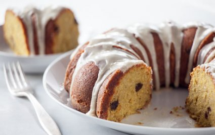 Hard Cider Spice Cake with Apples and Caramel Glaze