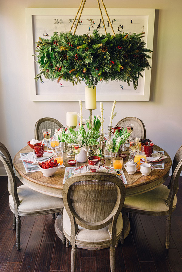 breakfast table holiday decorations