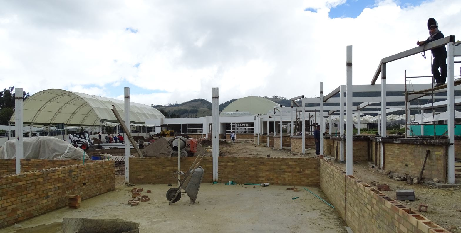 School being constructed with support from the Fernando Borrero Caicedo Foundation which gets funds from the purchase of Whole Trade flowers.
