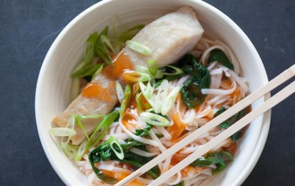 Easy Sweet-and-Sour Paiche Noodle Bowl