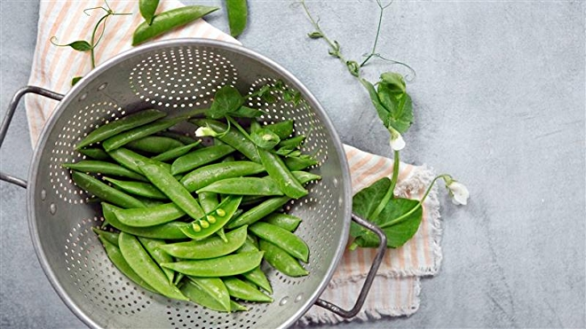 This is an image of snow peas