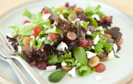 Salad with Red Grapes and Feta