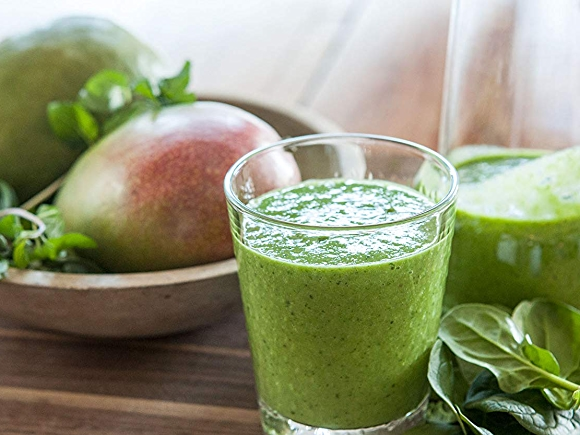 Mango-Mint Green Smoothie
