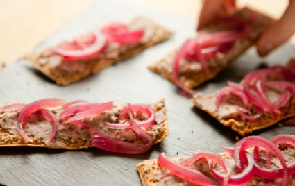 Black-Eyed Pea Pâté with Pickled Onions on Flatbread Crackers