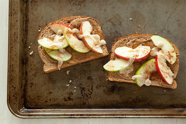 Photo of honeycrisp sandwich