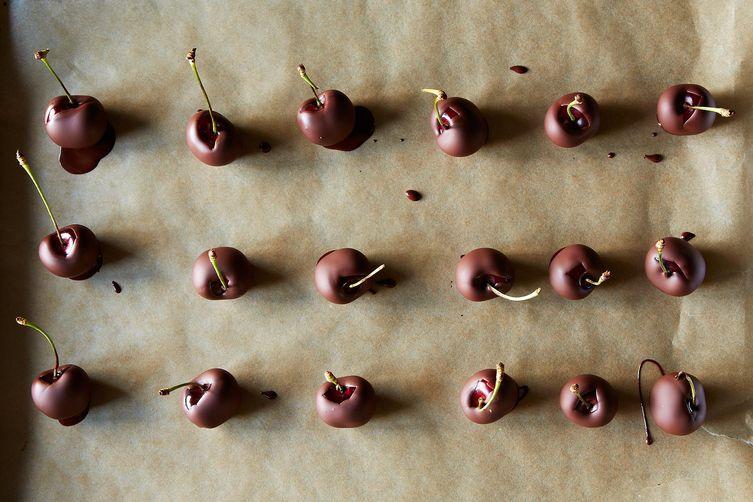No-Temper Chocolate-Dipped Cherries