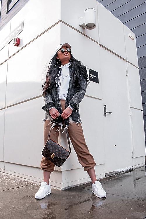 Lifestyle image of Influencer