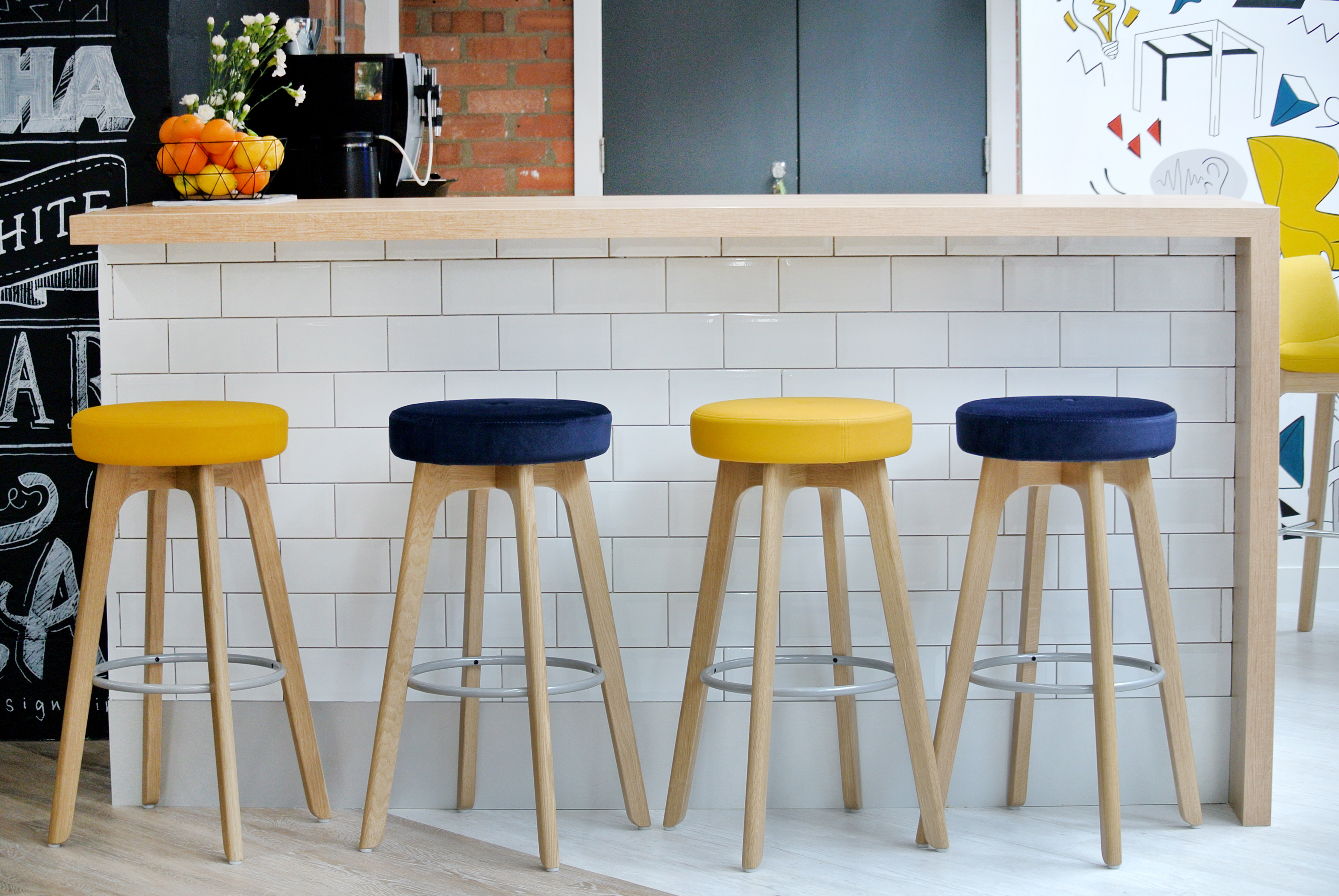 Top Rated in Barstools & Helpful Customer Reviews - Amazon.com