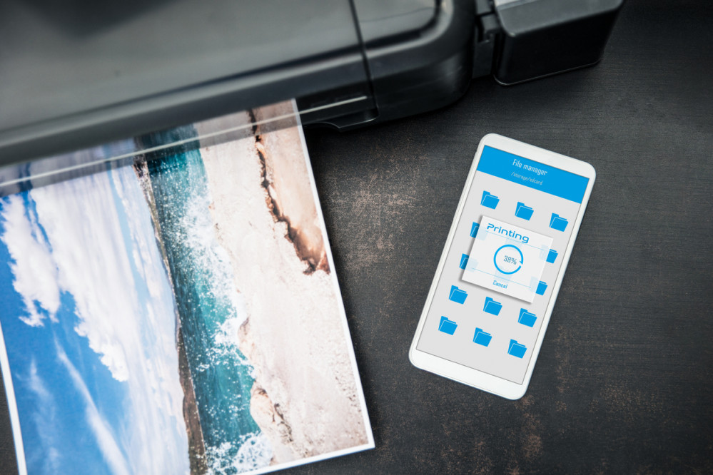 Share Memories Anywhere with a Cute and Convenient Smartphone Printer