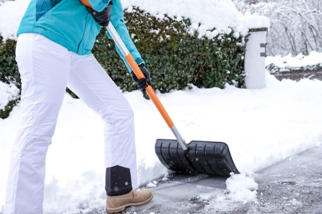 The Best Snow Shovels for Clearing Paths and Driveways