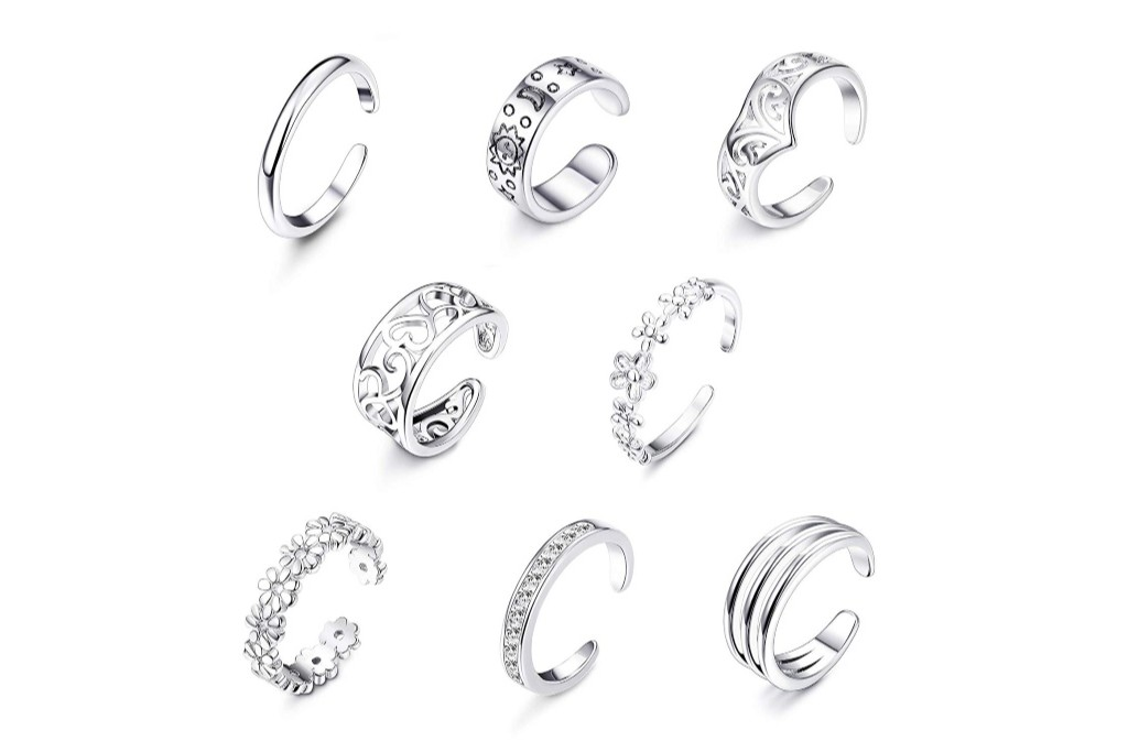 Teens Will Adore These Cool Toe Ring Sets