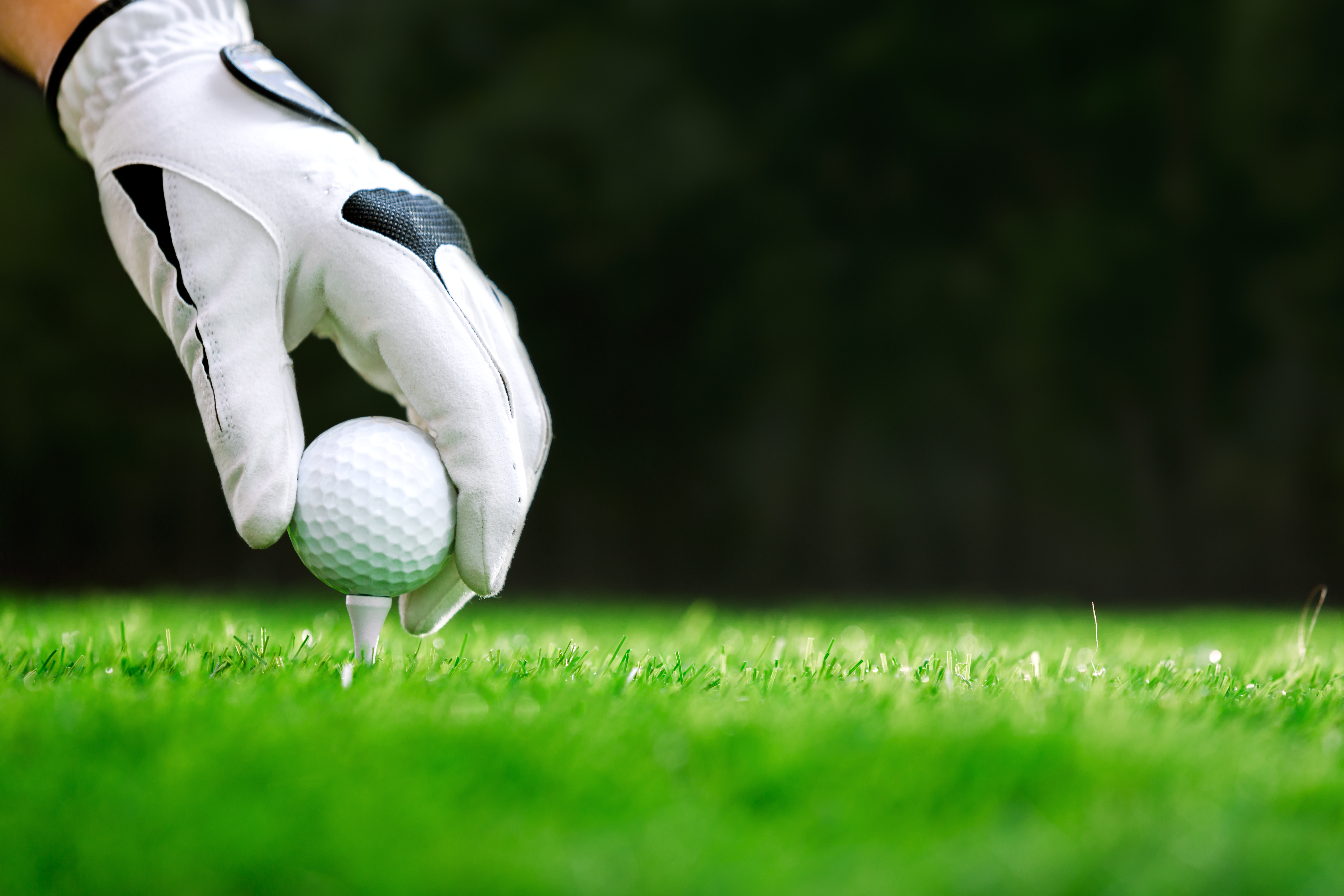 Improve Your Handicap With New Golf Balls and Tees