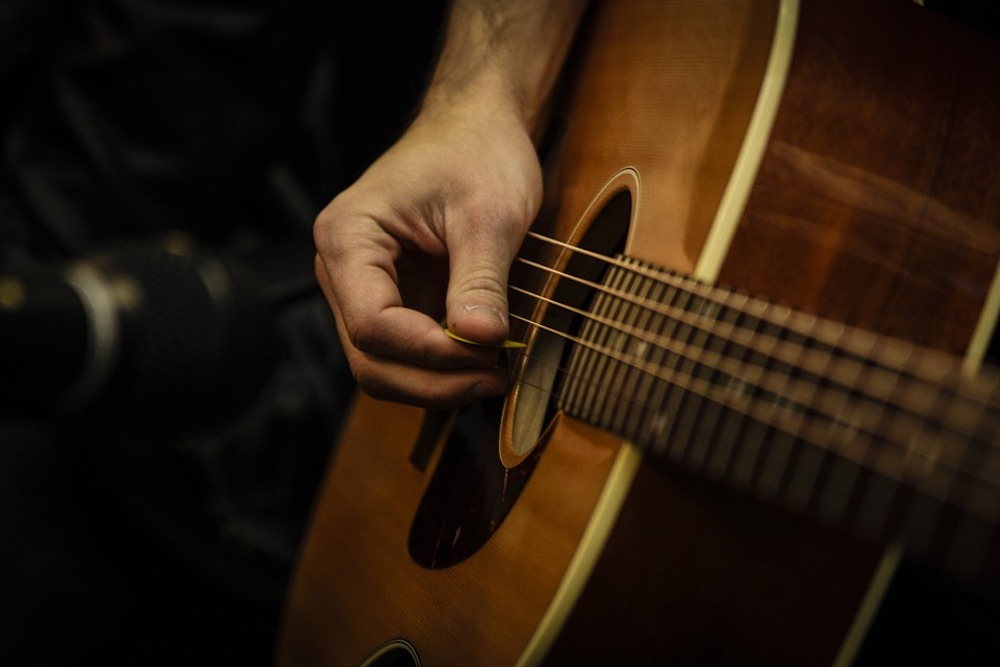 The Five Best Acoustic Guitars