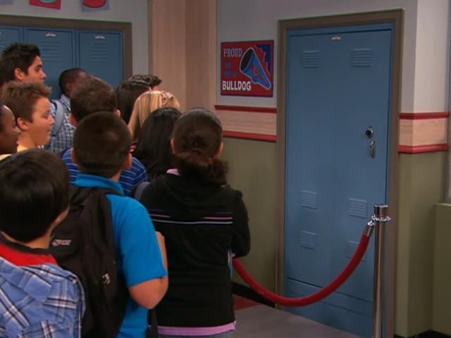 Watch iCarly Season 2 Episode 19: iDate a Bad Boy Part II